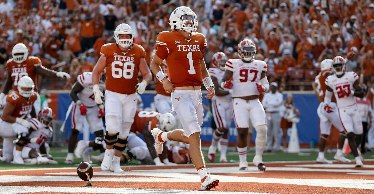 Hudson Card #1 of the Texas Longhorns rushes for a touchdown in the third quarter against the Louisiana Ragin' Cajuns at Darrell K Royal-Texas Memorial Stadium on September 04, 2021 in Austin, Texas. (Photo by Tim Warner/Getty Images)
