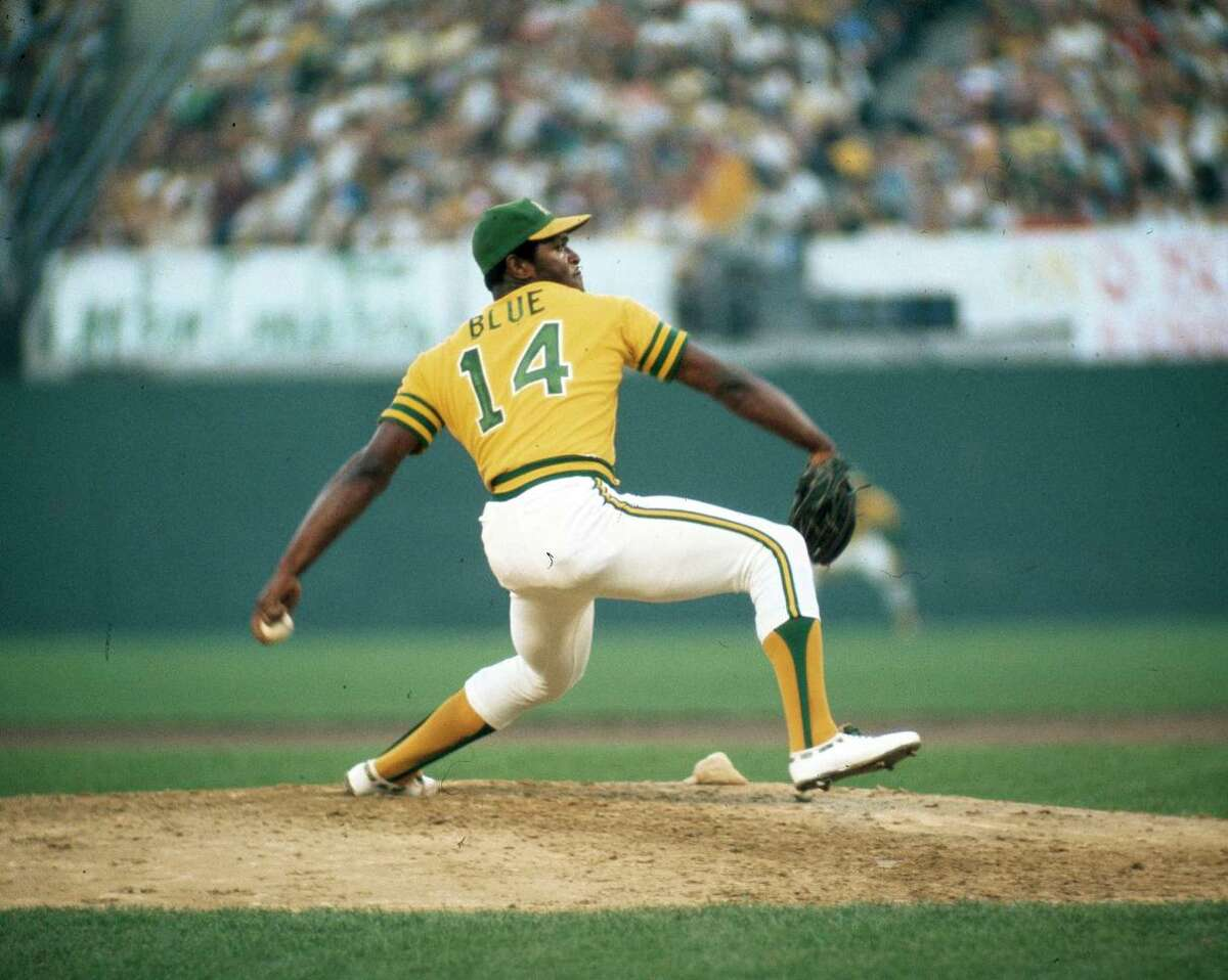 OAKLAND, CA - OCTOBER 17, 1974: Picher Vida Blue #14 of the Oakland Athletics pitches to the Los Angeles Dodgers during the 1974 World Series at the Oakland-Alameda County Coliseum on October 17, 1974 in Oakland, California. (Photo by Herb Scharfman/Sports Imagery/Getty Images)