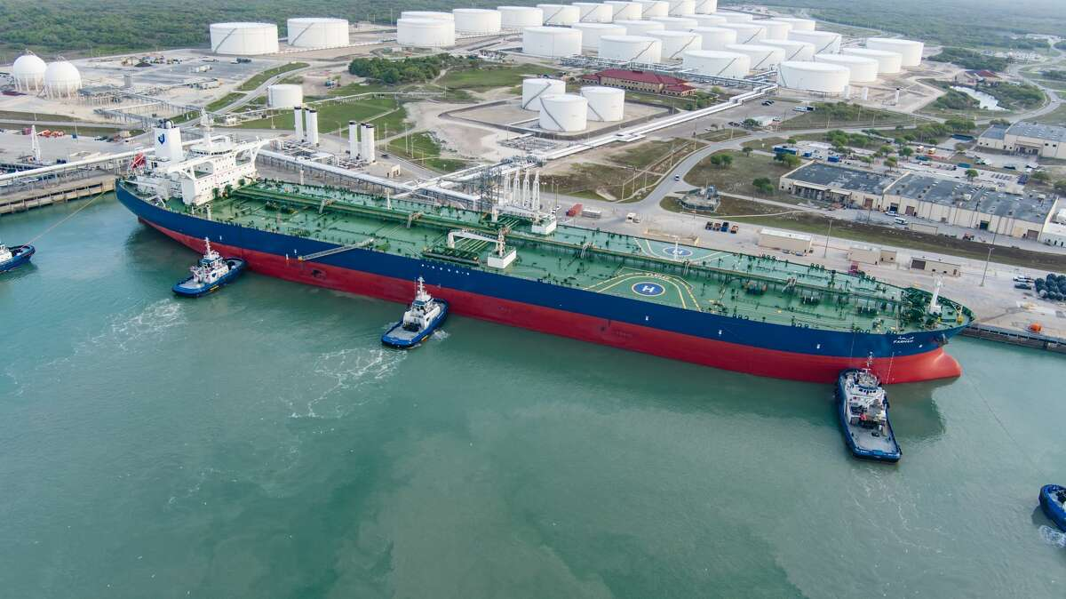 Canadian pipeline company Enbridge said Tuesday it will acquire Moda Midstream of Houston, including Moda's crude oil storage and export terminal near Corpus Christi.