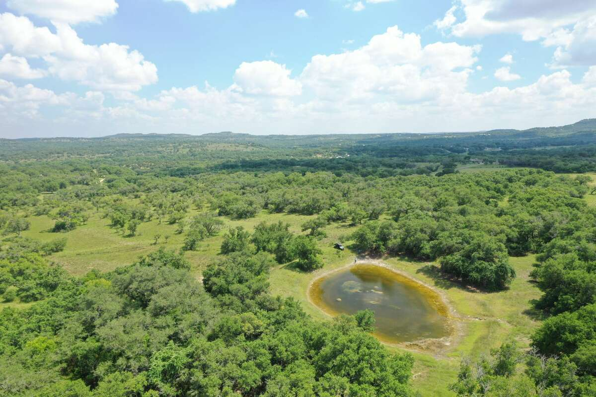 18 private and gorgeous 6 to 15+ acre homesites at Heritage Hills Ranch