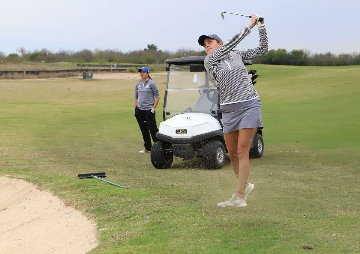 Yuliana Yapur placed sixth individually to help TAMIU claim second place Tuesday at the DBU Women's Invitational.