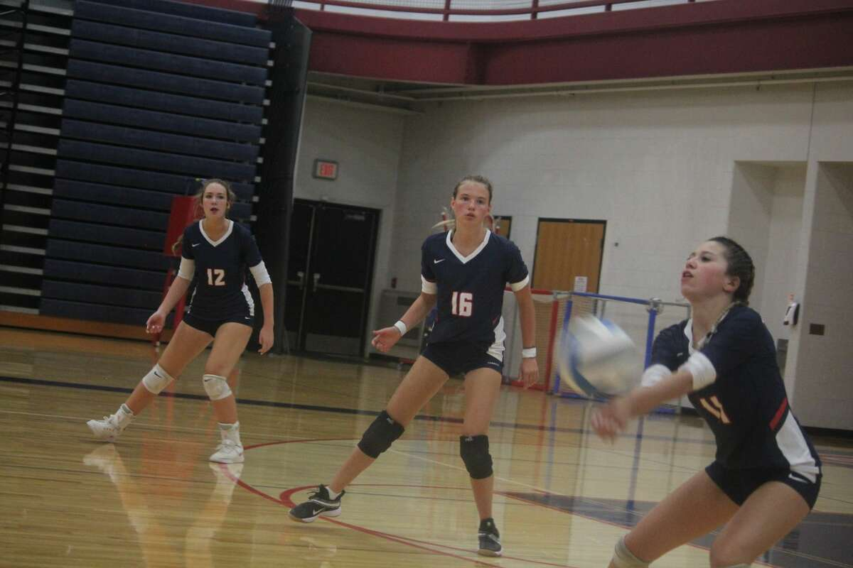 Big Rapids dropped its first volleyball home match of the season to Fremont 3-0