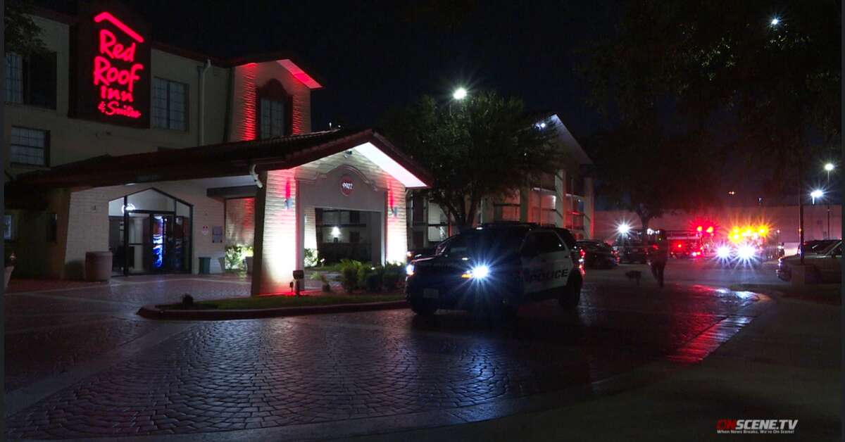 A male died in southeast Houston early Wednesday morning following a reported assault at a Red Roof Inn, according to OnScene TV.