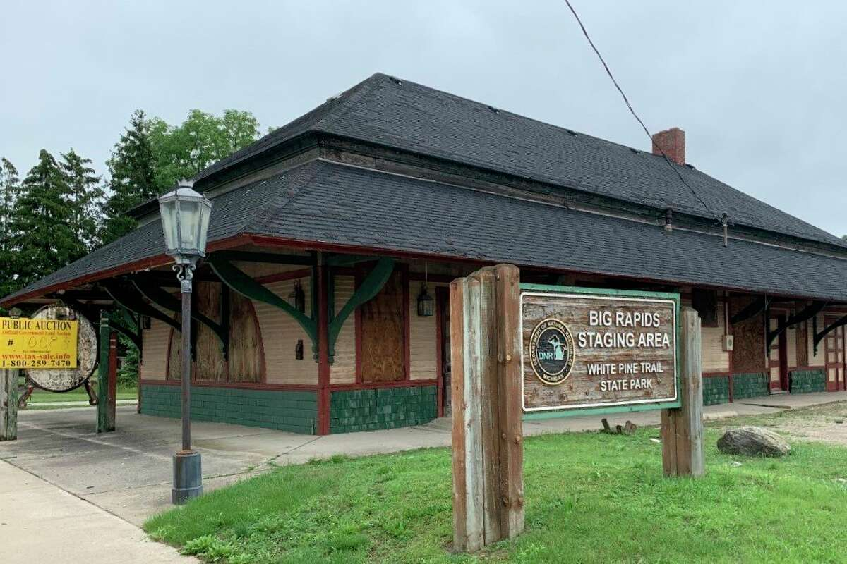The Big Rapids depot building went up for auction in August and was purchased by private individuals. The city bid $60,000 on the property. It sold for $60,500. (Pioneer photo/Cathie Crew)