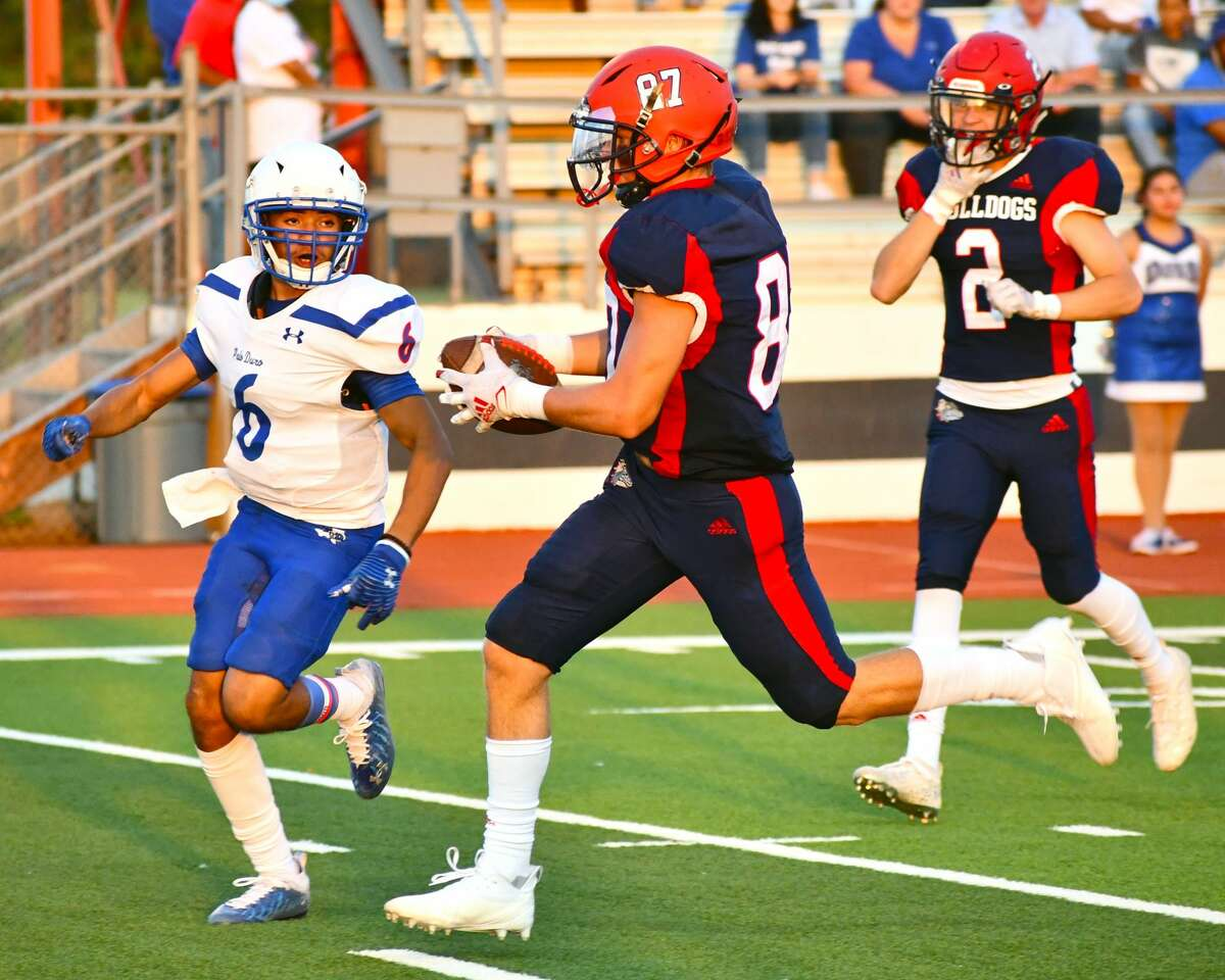 Plainview's Carson Northcutt races to the end zone for a touchdown during last week's 64-41 loss to Amarillo Palo Duro. Northcutt and the Bulldogs look for their first win of the season against Lubbock.