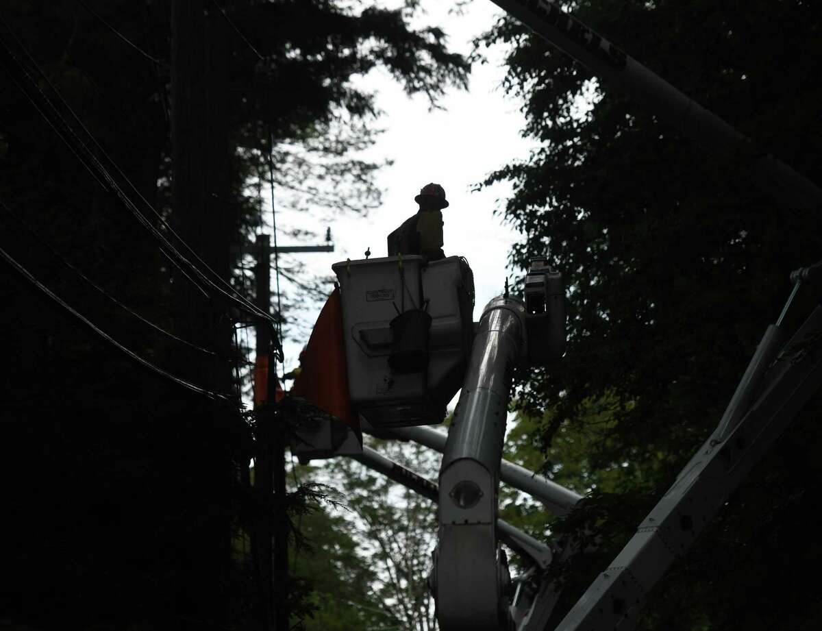 With rain in the forecast for much of Thursday, Sept. 9, 2021, there are a few hundred utility customers throughout Connecticut without power.