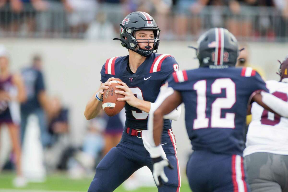 Tompkins Falcon QB Cole Francis (9) looks down field during first half of action between Tompkins Falcons vs. Magnolia Bulldogs during a high school football game at the Legacy Stadium, Saturday, August 28, 2021, in Katy. (Juan DeLeon/Contributor)