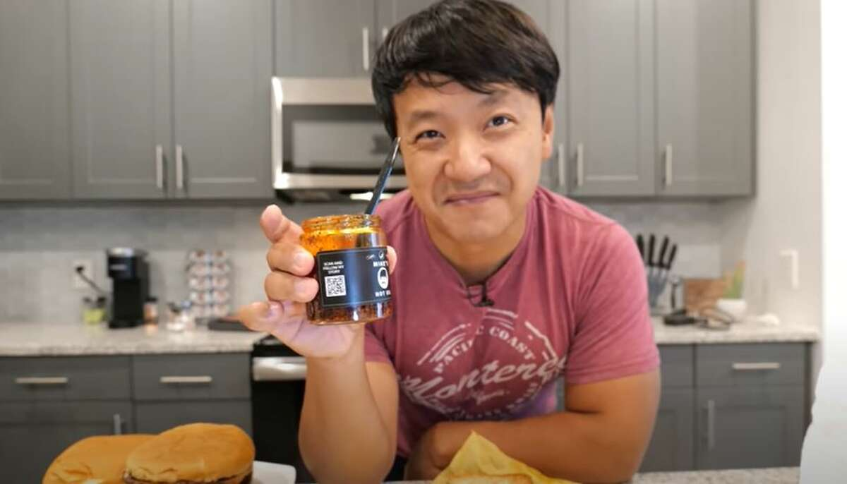 YouTuber Mikey Chen has a hack to make your Whataburger order even better.