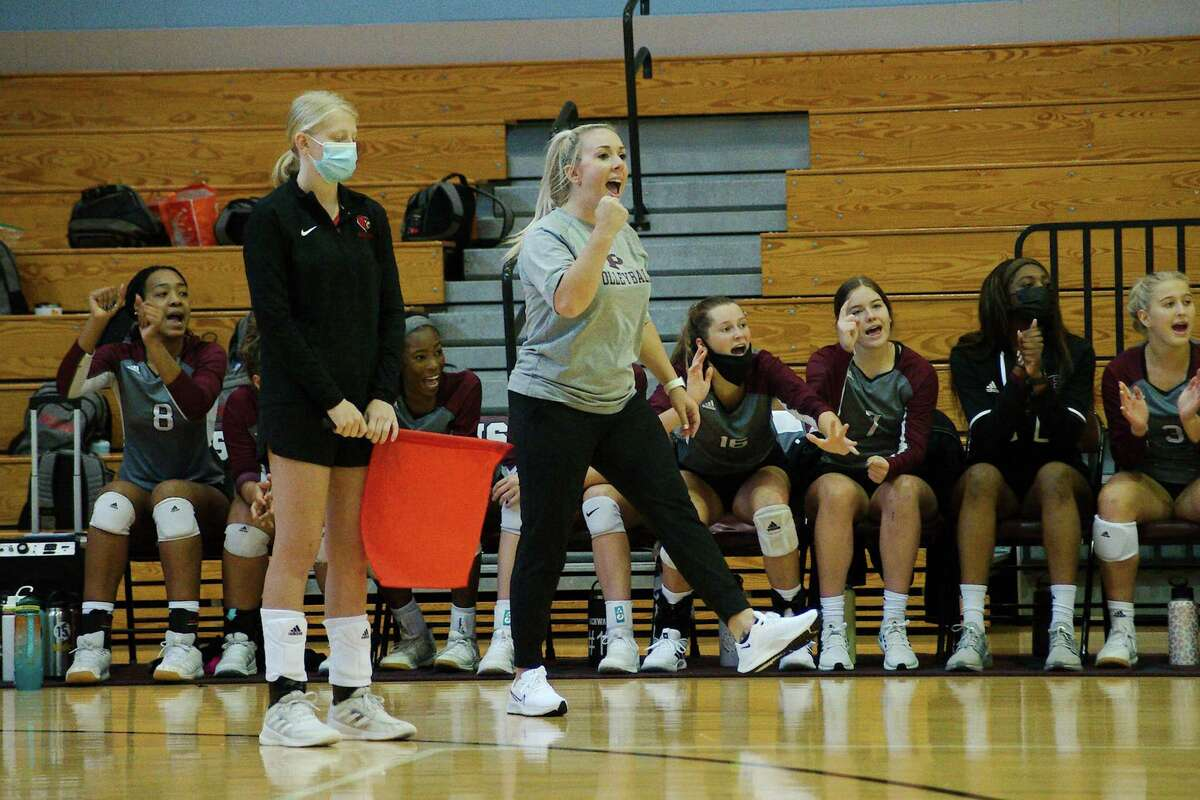 Pearland first-year head volleyball coach Jamie Gill will try to lead her team into the playoffs when the District 23-6A season starts Friday.