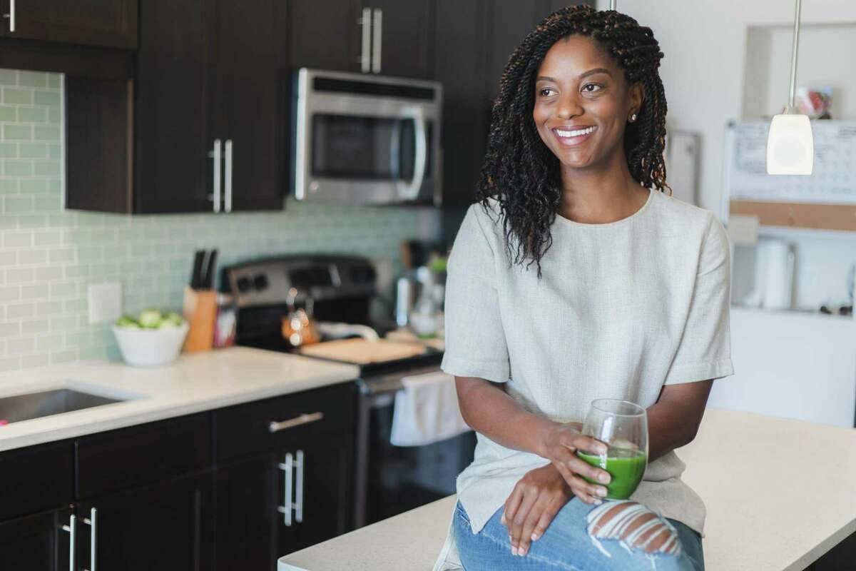 JENuine Nutrition is a holistic nutrition and wellness company that utilizes nutrition, psychology and Behavioral Sciences to help men and women transform their relationship with food to transform their lives. Founder Jennifer Jones is a Certified Integrative Holistic Nutrition Health Coach, executive wellness coach, speaker and author.