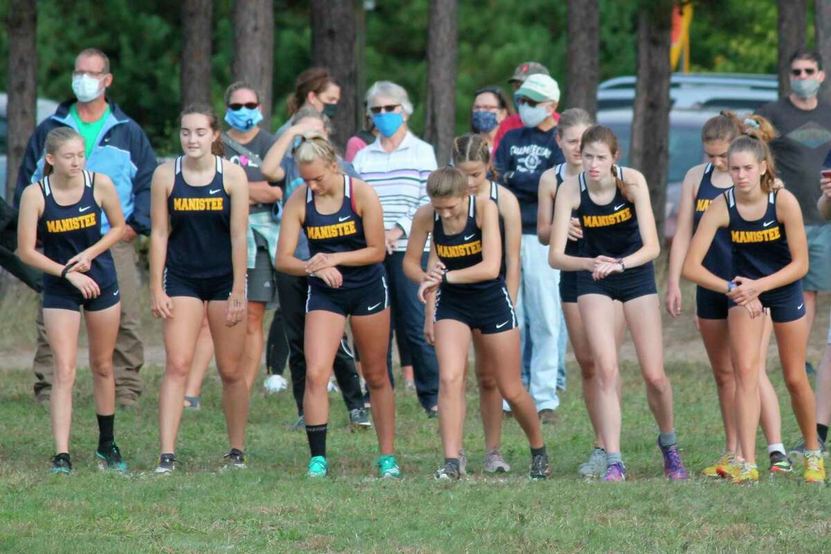The Manistee girls cross country team competes at Bear Lake in 2020. (File Photo)