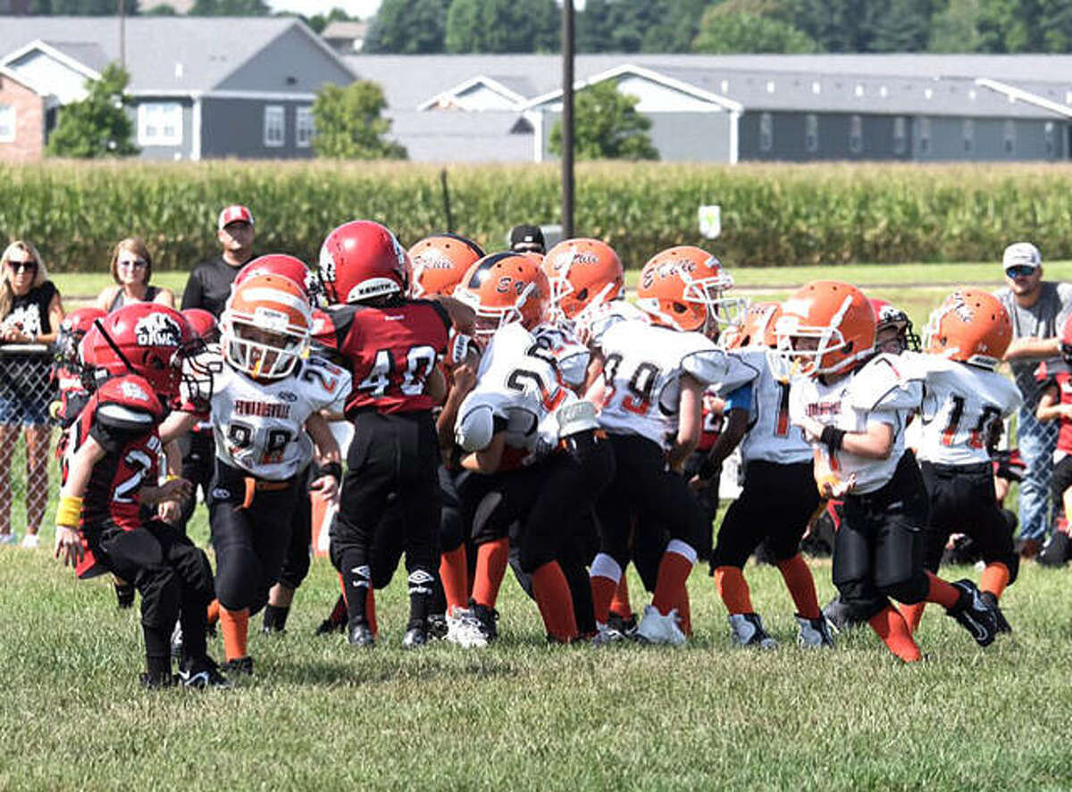 Action for the Edwardsville Little Tigers Tykes football game against the Highland Bulldogs in Highland.