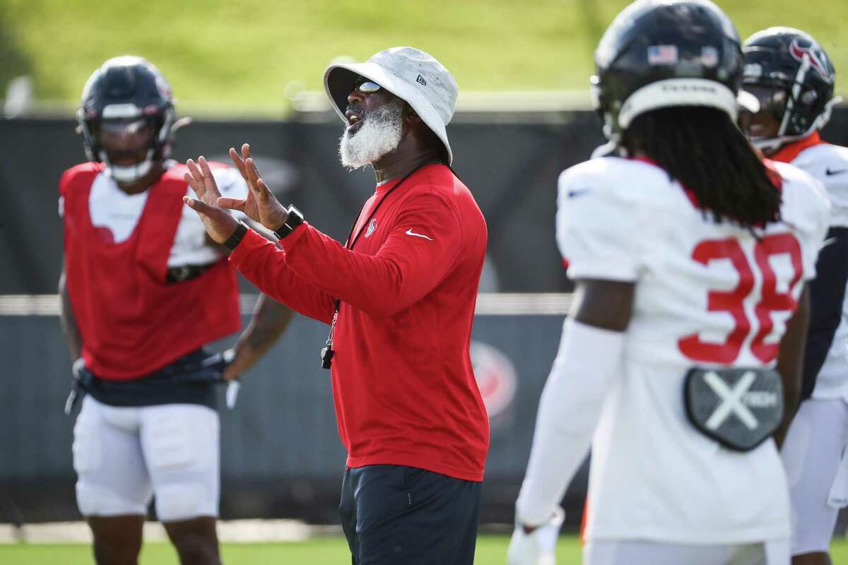 Houston Texans defensive coordinator Lovie Smith has a veteran group tasked with stopping a rookie quarterback (Trevor Lawrence) in opener.