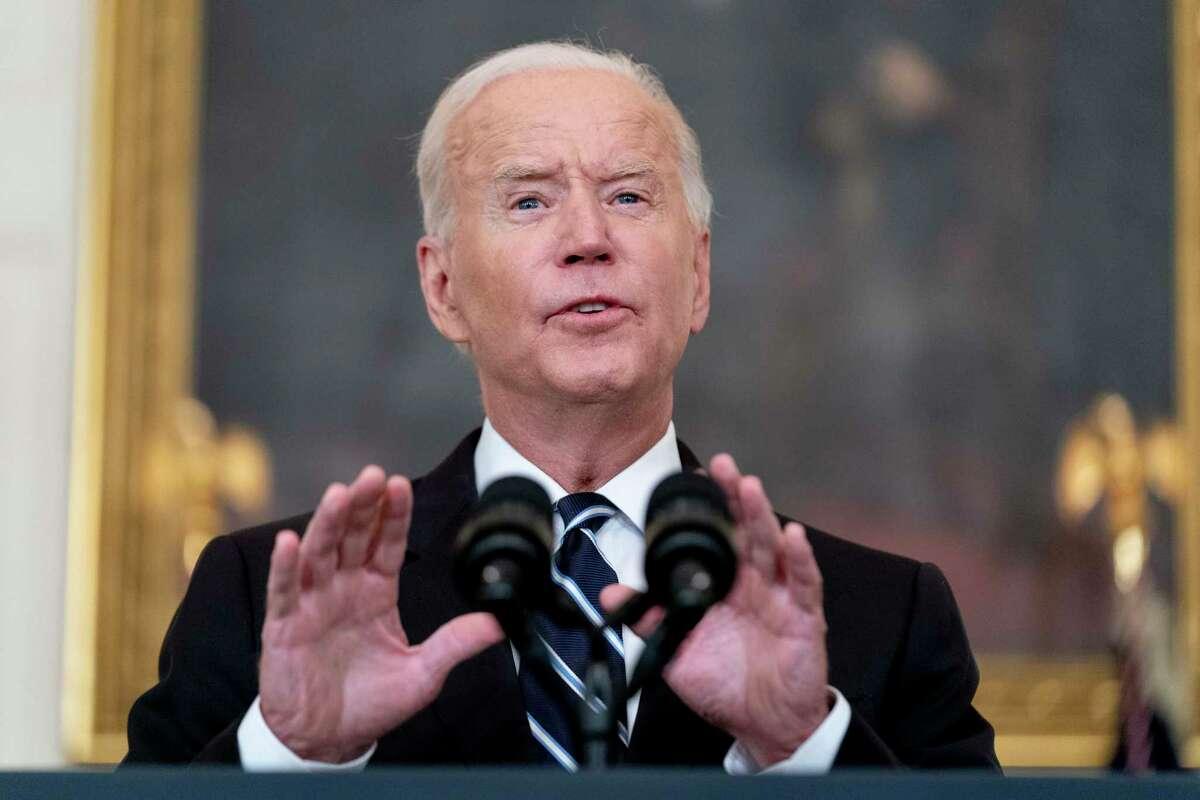 El presidente Joe Biden habla en la Casa Blanca, el jueves 9 de septiembre de 2021, en Washington.