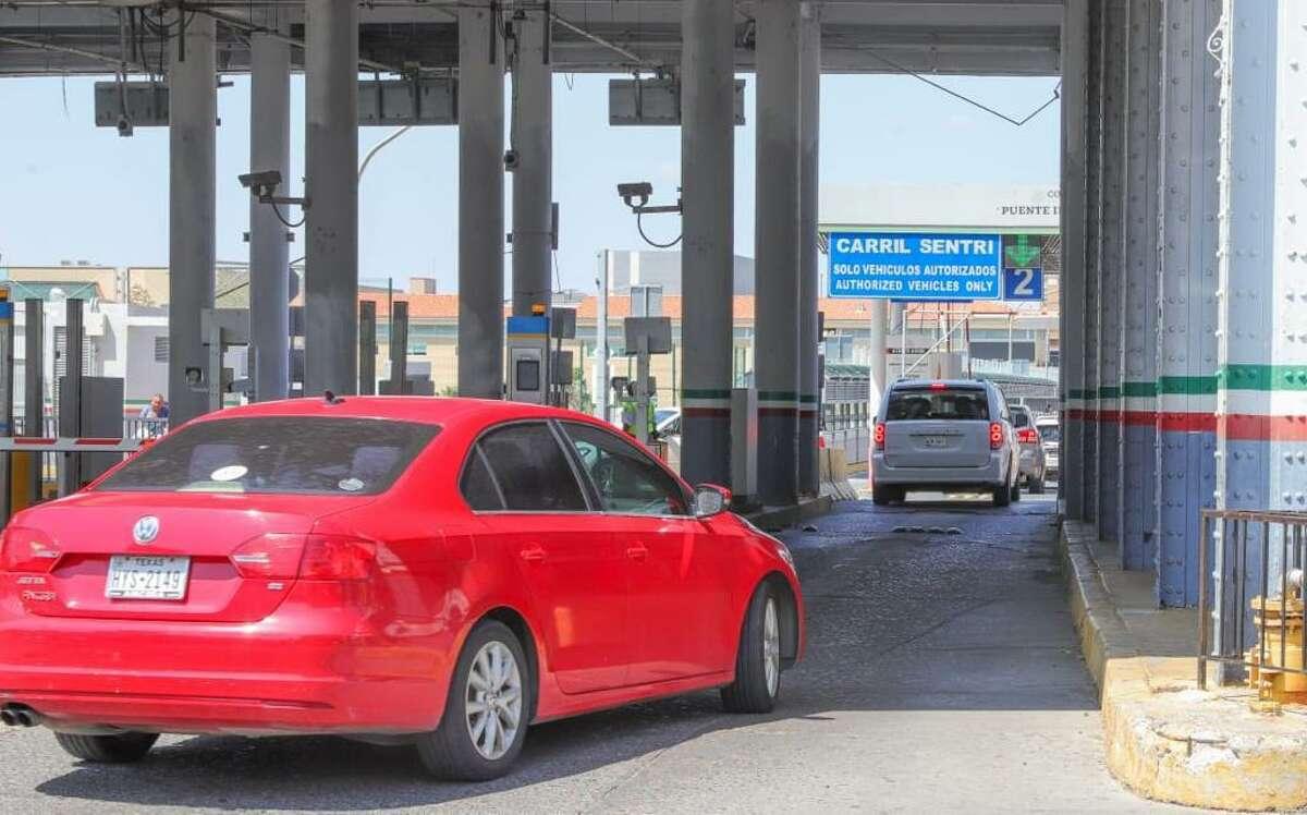 Un acuerdo del gobierno municipal de Nuevo Laredo, México, con Customs and Border Protection (CBP), y Caminos y Puentes Federales (CAPUFE), logró la habilitación de un carril adicional para Sentri que abrirá el viernes 10 de septiembre y estará en operación las 24 horas.