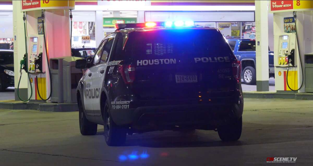 A man got shot in the face while trying to rob another person near a Shell gas station in southeast Houston Wednesday night, according to Houston Police.