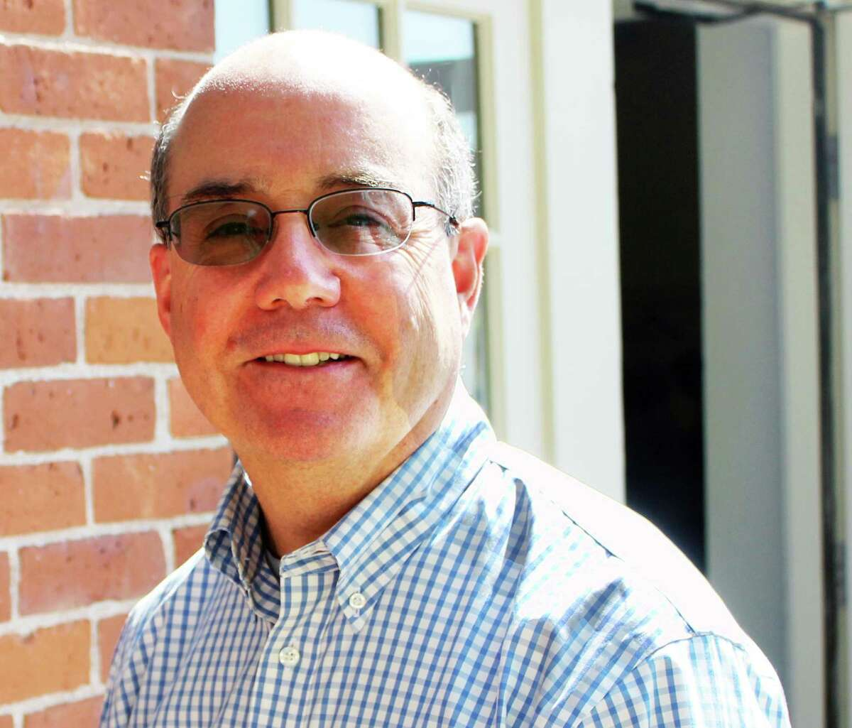 The Middlesex United Way has chosen William Holder as its new campaign chairman.