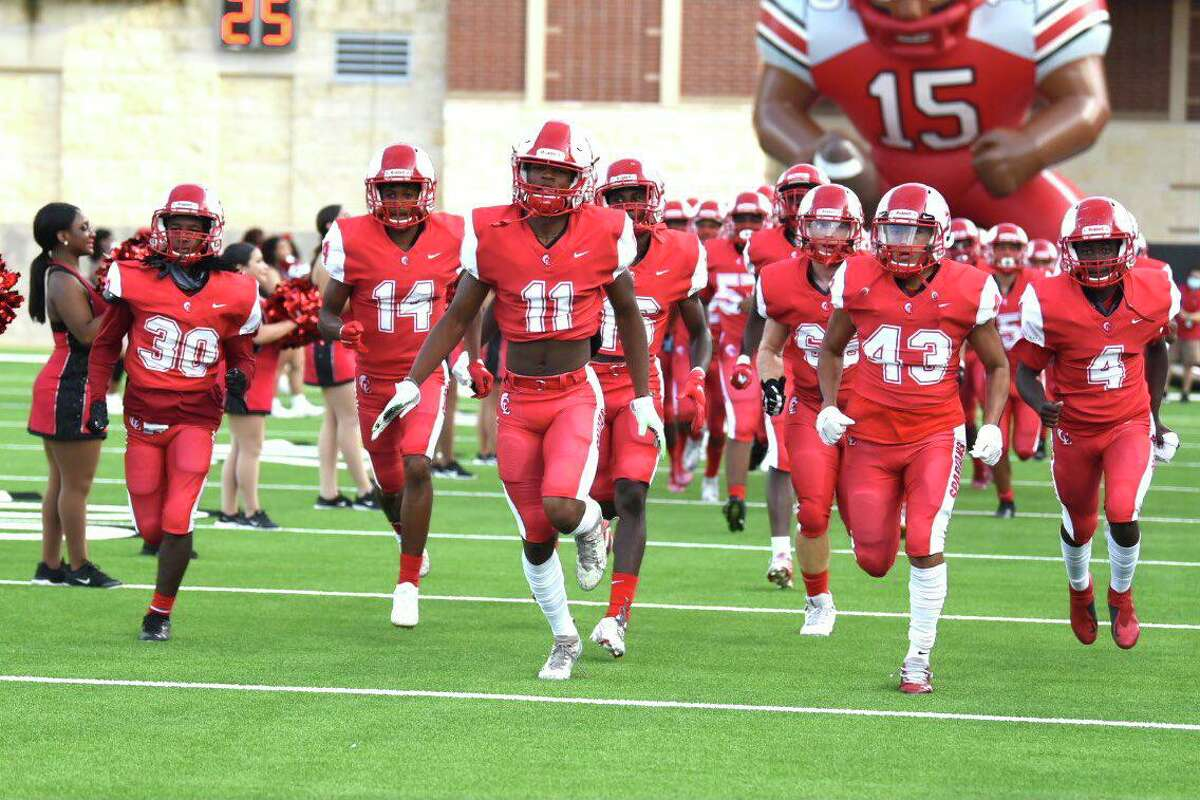 The Cy Lakes football team is attempting to earn its first win since the 2019 season under head coach Ronald Patton. The Spartans were 0-9 in 2020 and 5-5 in 2019 and 2018.