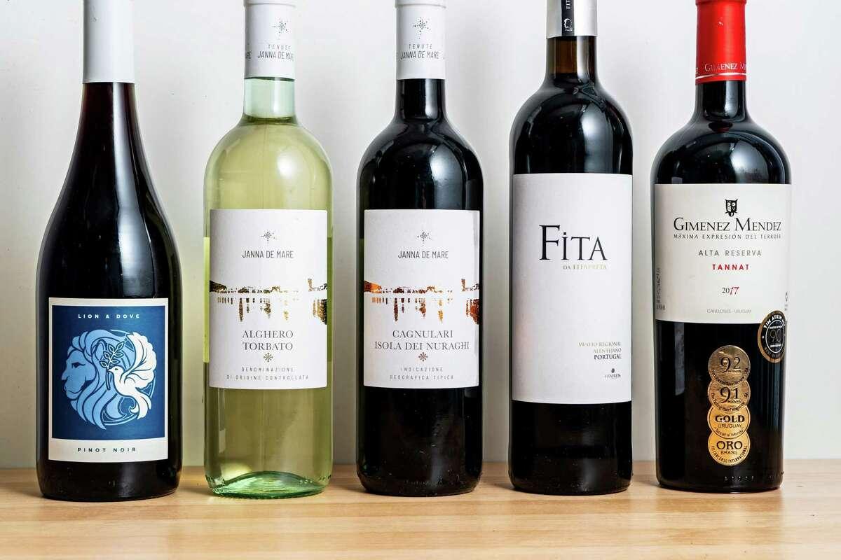 From left, Lion & Dove Pinot Noir 2020, Tenute Janna de Mare Alghero Torbato 2020, Tenute Janna de Mare Cagnulari Isola dei Nuraghi 2019, Fita da Fitapreta 2019, Gimenez Mendez Alta Reserva Tanta 2017.