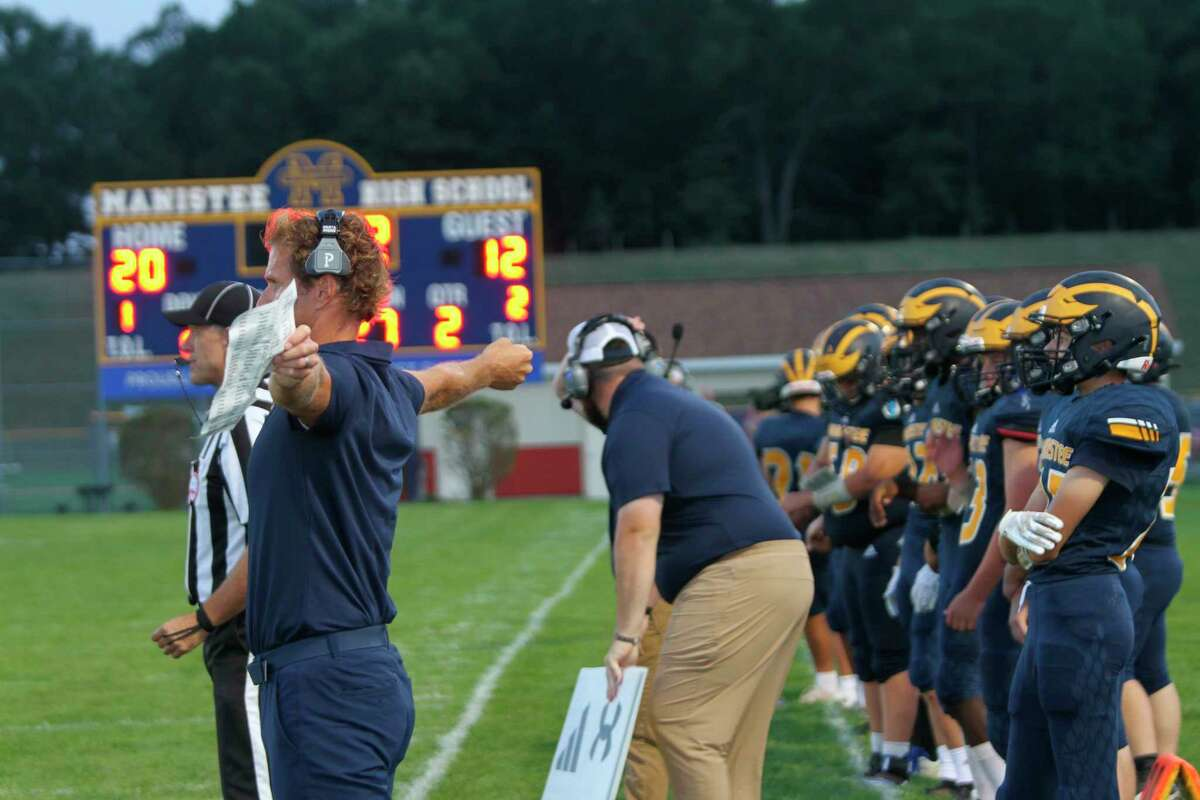 The Manistee Chippewas took on Ludington for the 144th time on Friday night. (McLain Moberg/News Advocate)