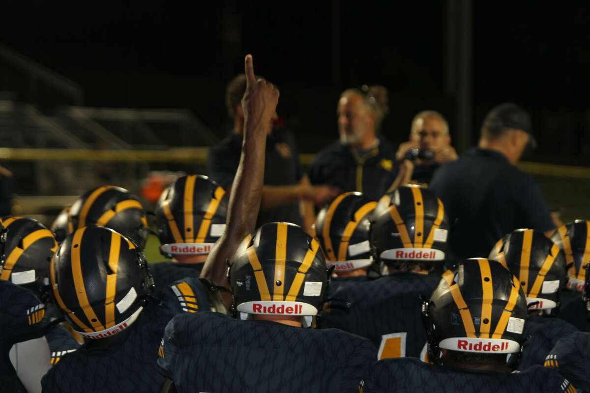 The Manistee Chippewas defeat Ludington for the second year in a row.