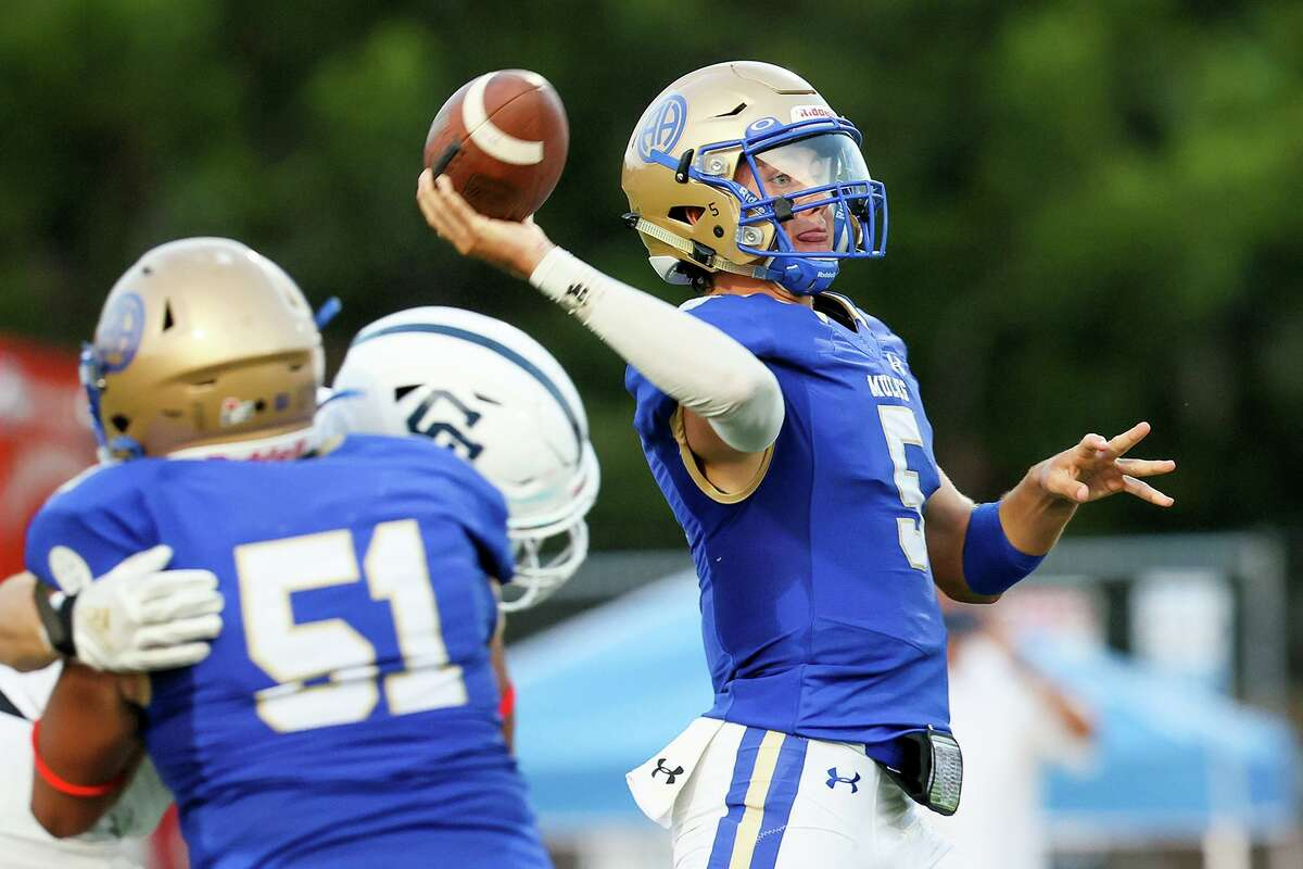 Alamo Heights' quarterback James Sobey throws a pass during the first half of their high school football game with Central Catholic at Orem Stadium on Friday, Sept. 10, 2021. Alamo Heights beat Central Catholic 35-20.