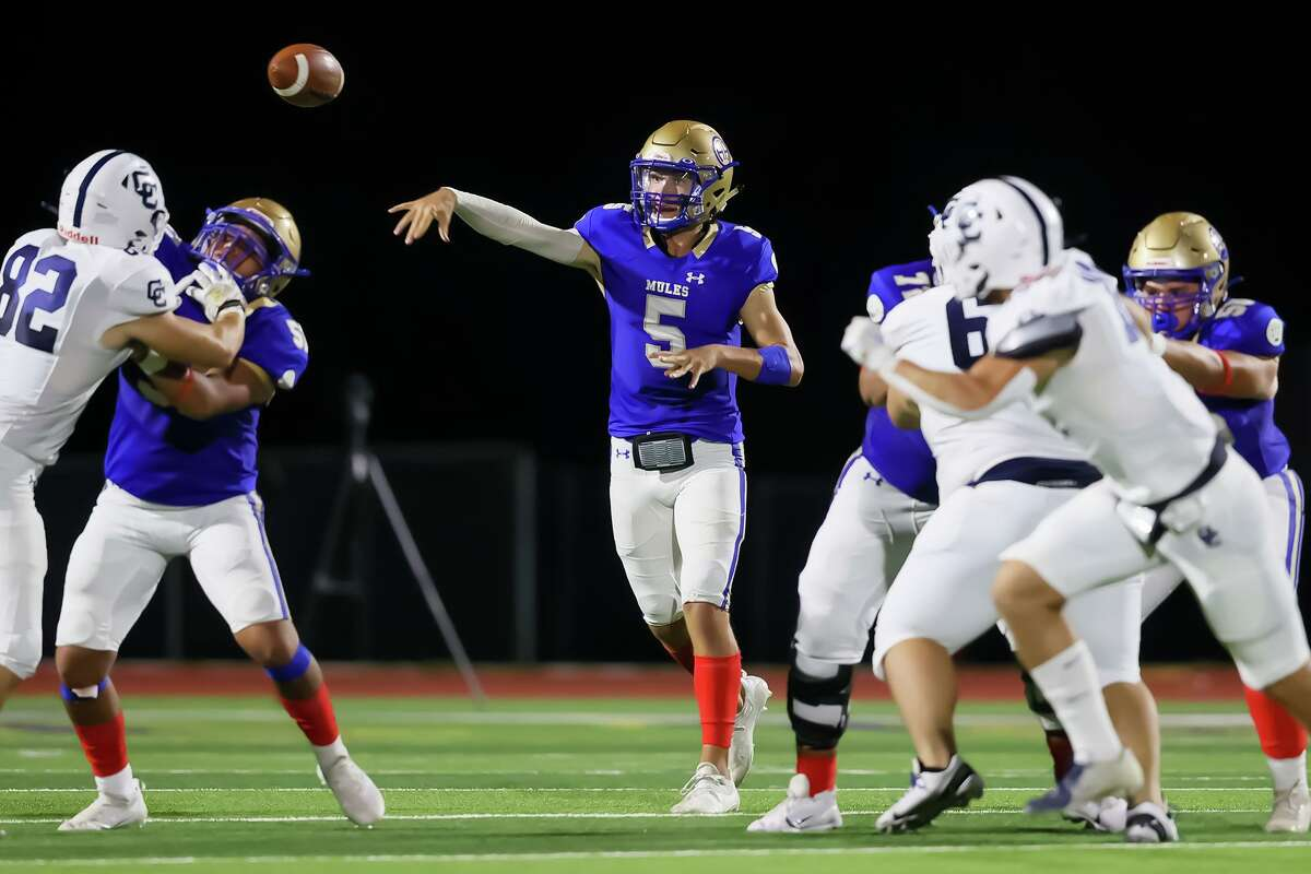 Alamo Heights quarterback James Sobey throws from the pocket during the second half of their high school football game with Central Catholic at Orem Stadium on Friday, Sept. 10, 2021. Alamo Heights beat Central Catholic 35-20.