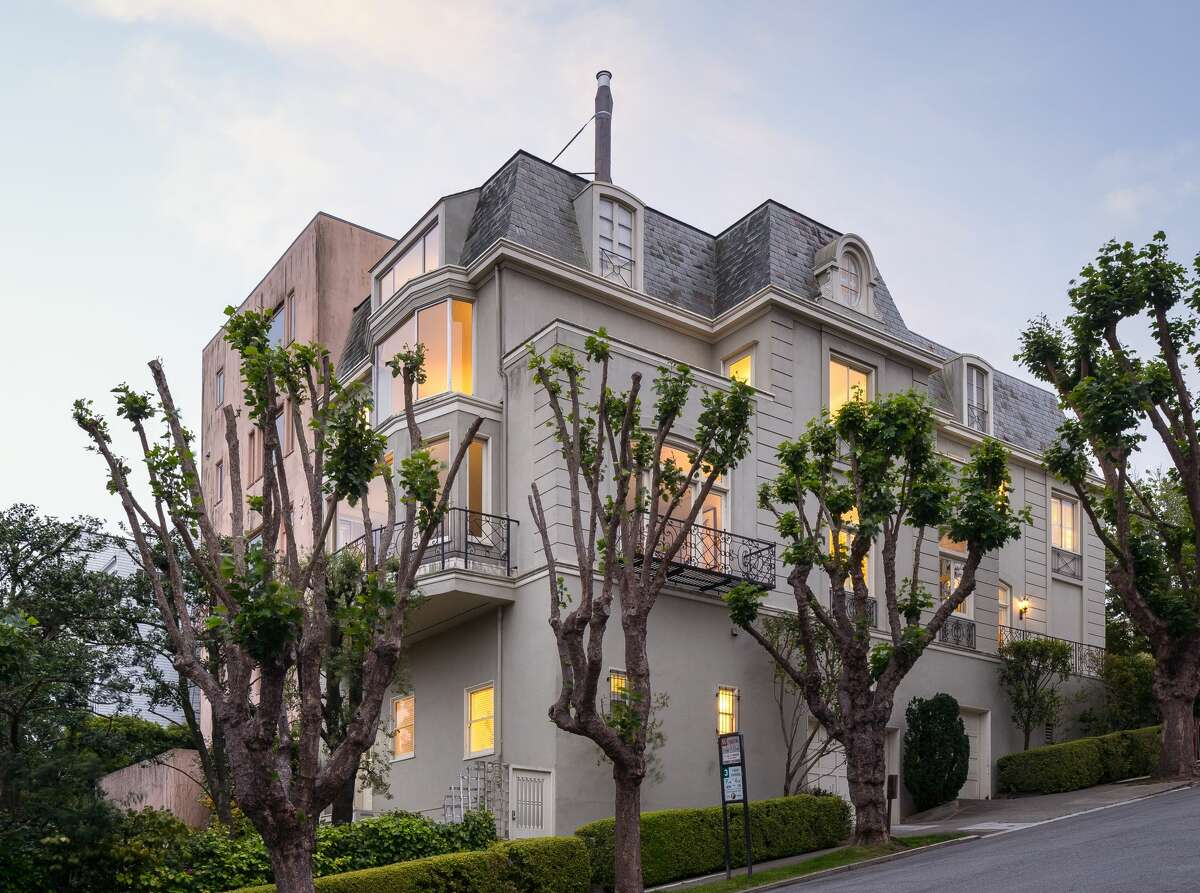 The home sits on a corner lot in Presidio Heights.