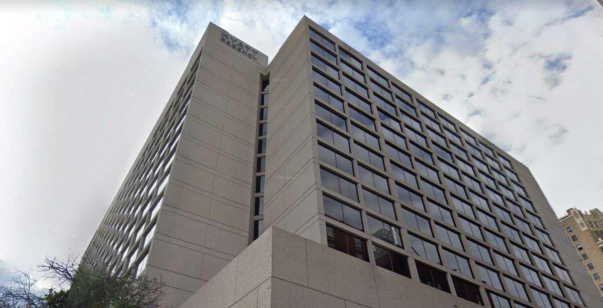 The Hyatt Regency San Antonio Riverwalk hotel is upgrading its guest rooms.