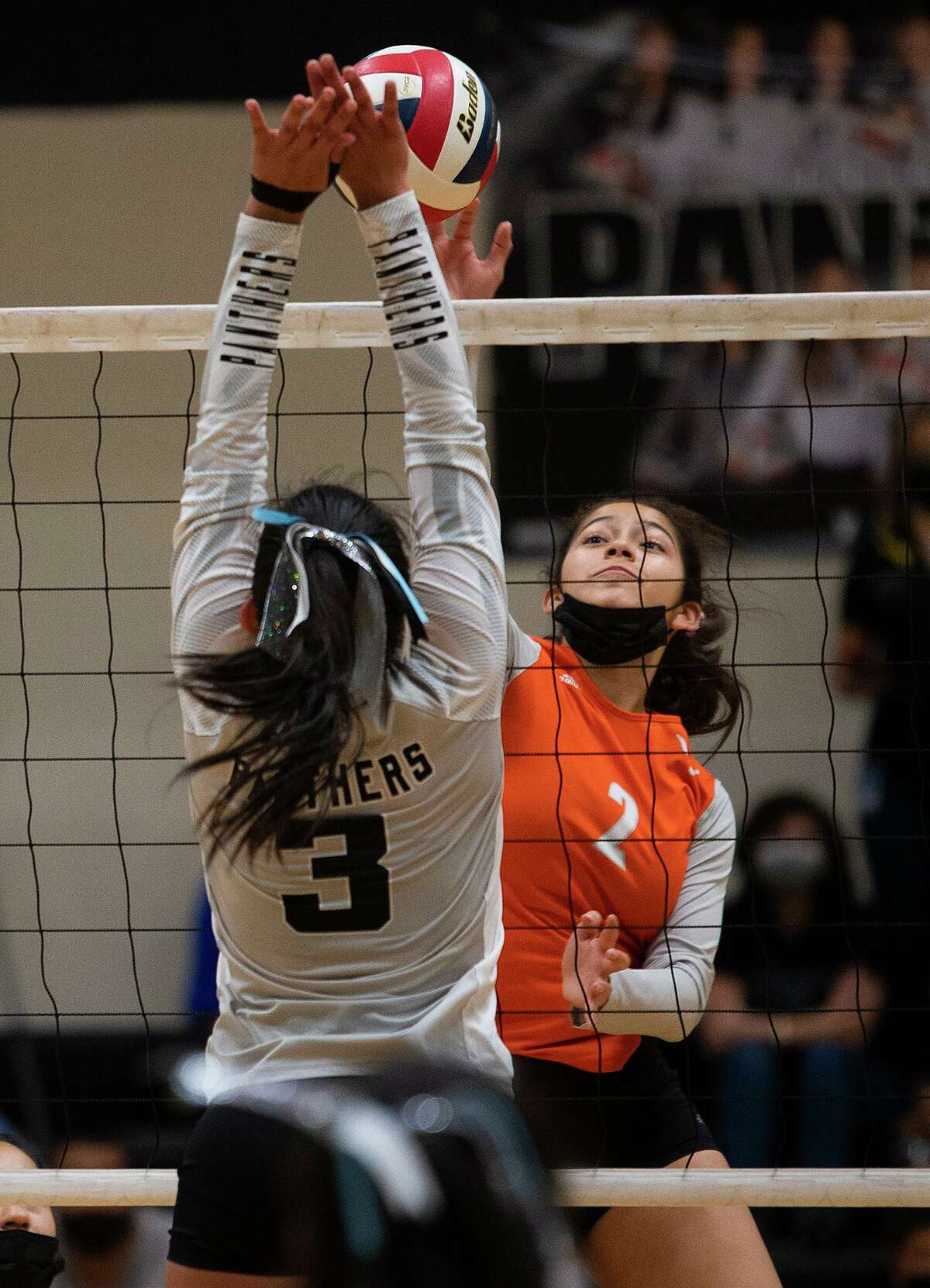 Ale Vasquez and United host Eagle Pass at 7 p.m. Tuesday, while Sierra Sanchez and United South travel for a 7 p.m. matchup at Nixon.