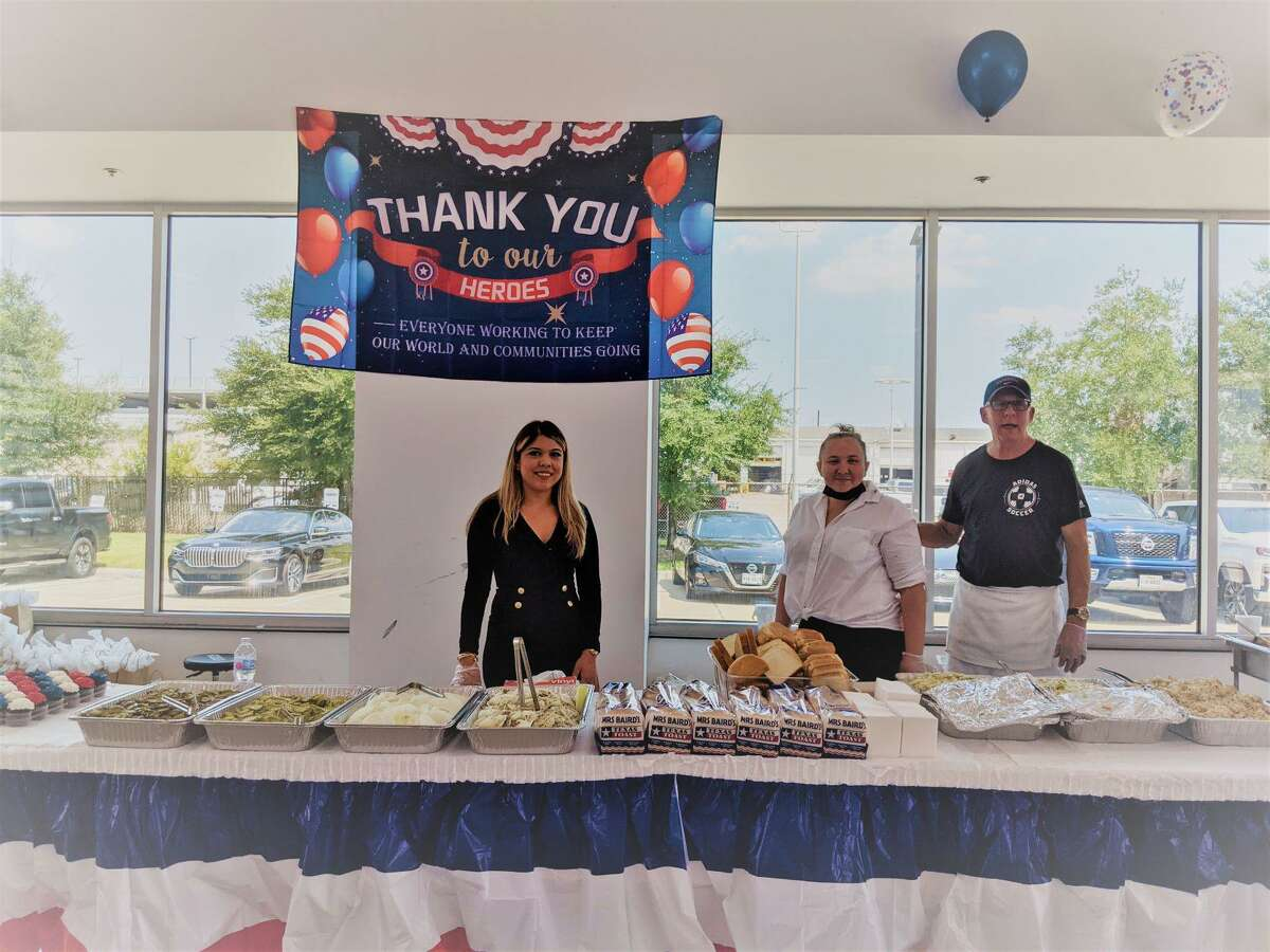 Sterling McCall Nissan hosted come-and-go lunch for first responders at its Houston dealership.