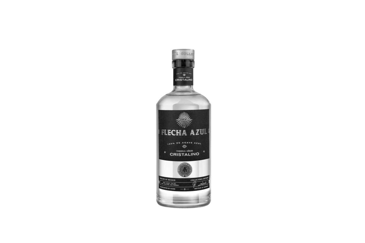 Flecha Azul Anejo Cristalino, aged in American white oak ex-bourbon barrels offers silver brightness with aged richness. Look for aromas of dark chocolate with flavors of vanilla and oak.