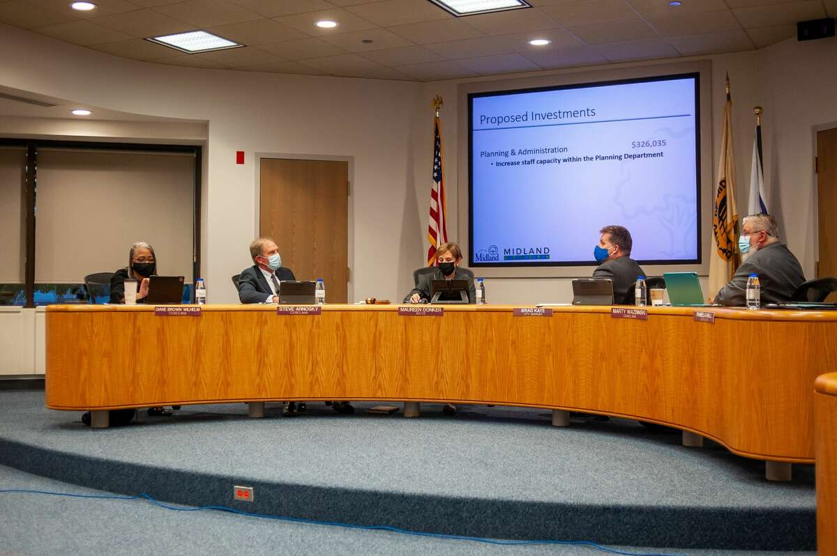 The Midland City Council listens to a presentation about a proposed CDBG amendment on Sept 13, 2021 in City Hall.