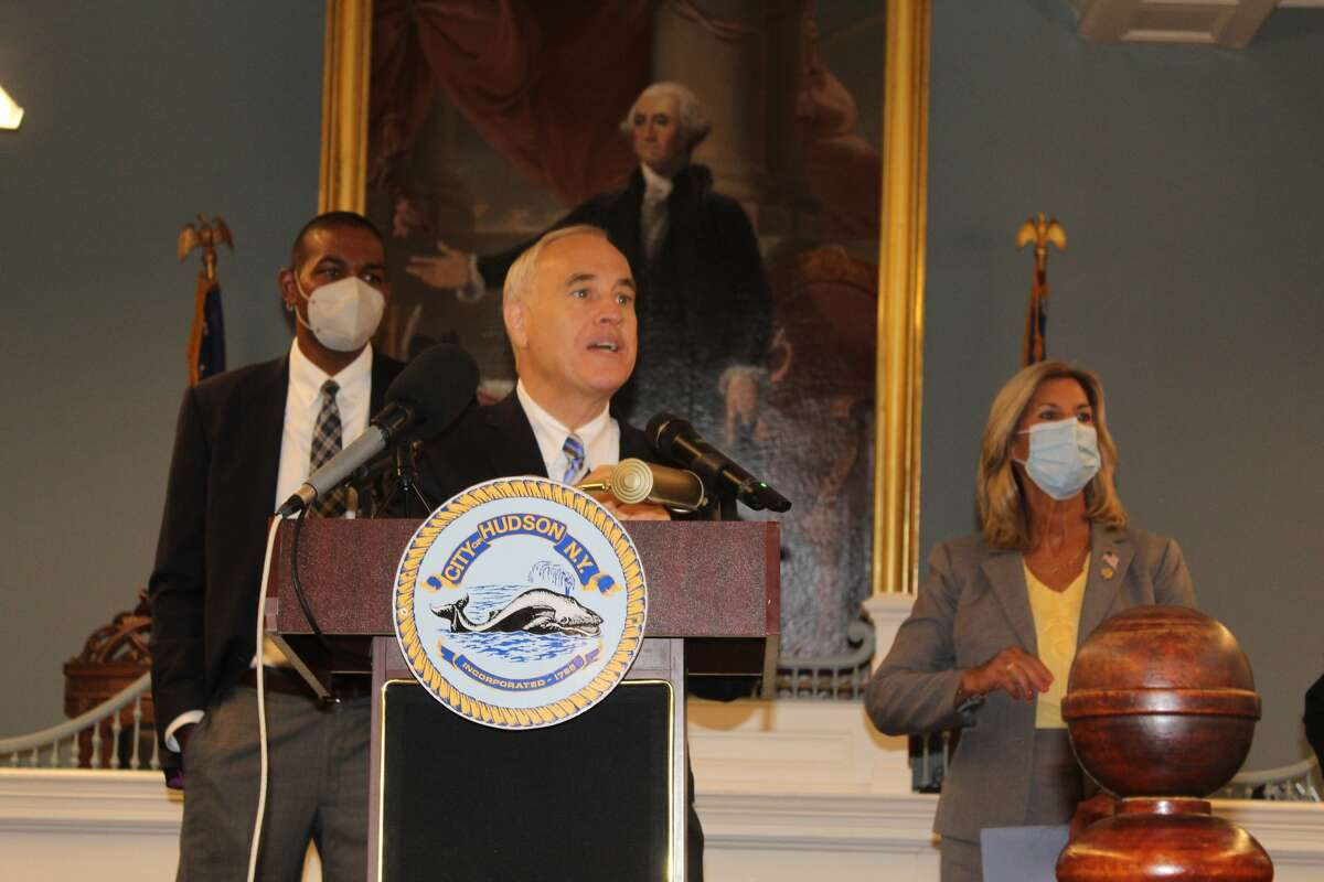 New York State Comptroller Thomas DiNapoli (center), flanked by U.S. Rep. Antonio Delgado (left) and state Sen. Daphne Jordan, at a news conference at Hudson City Hall on Tuesday, Sept. 14, 2021. DiNapoli's office has released an online tracker for the various pots of COVID-19 relief money the state has received.
