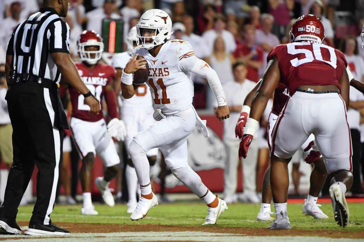 Casey Thompson, running for a touchdown against Arkansas in the third quarter Saturday, will start for Texas against Rice.