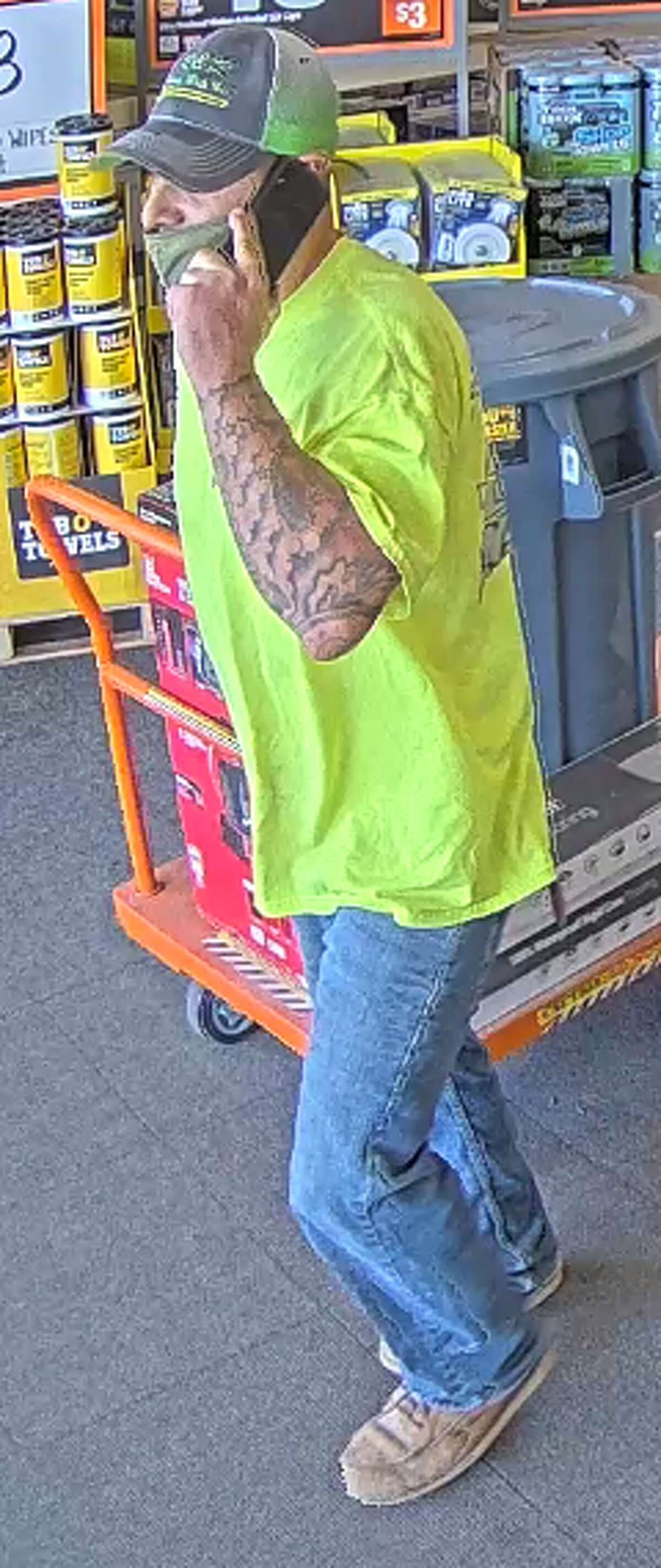 Police are still looking for this larceny suspect.