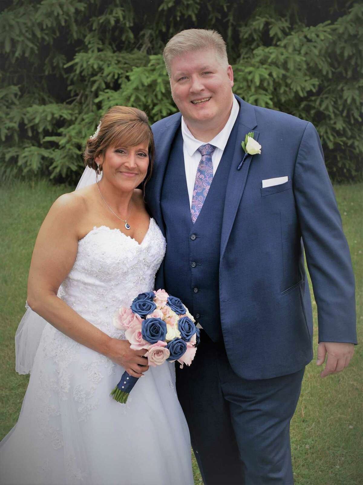 Susan Geib, of New Milford, and William J. Pollock, of Trumbull, married on June 19 at Anthony's Lake Club on Lake Kenosia in Danbury.