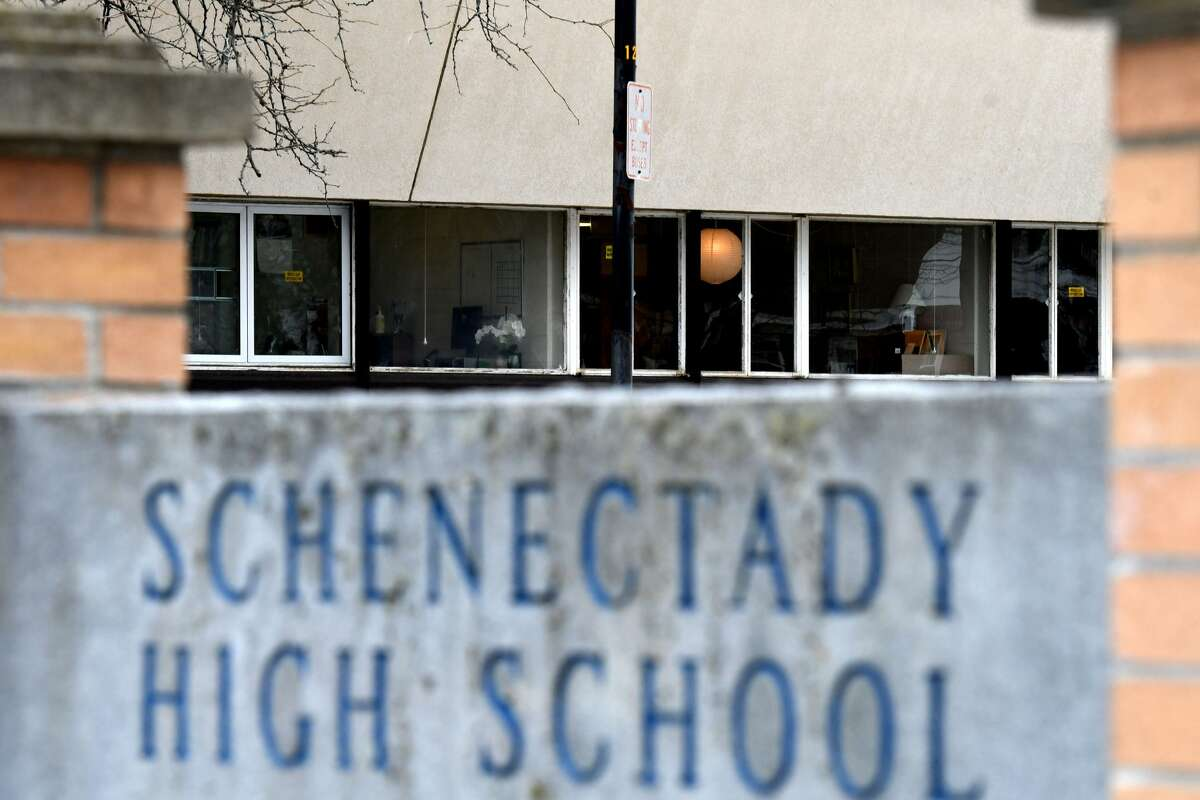 A proposed charter school might offer parents in Schenectady another option to the traditional public school system.