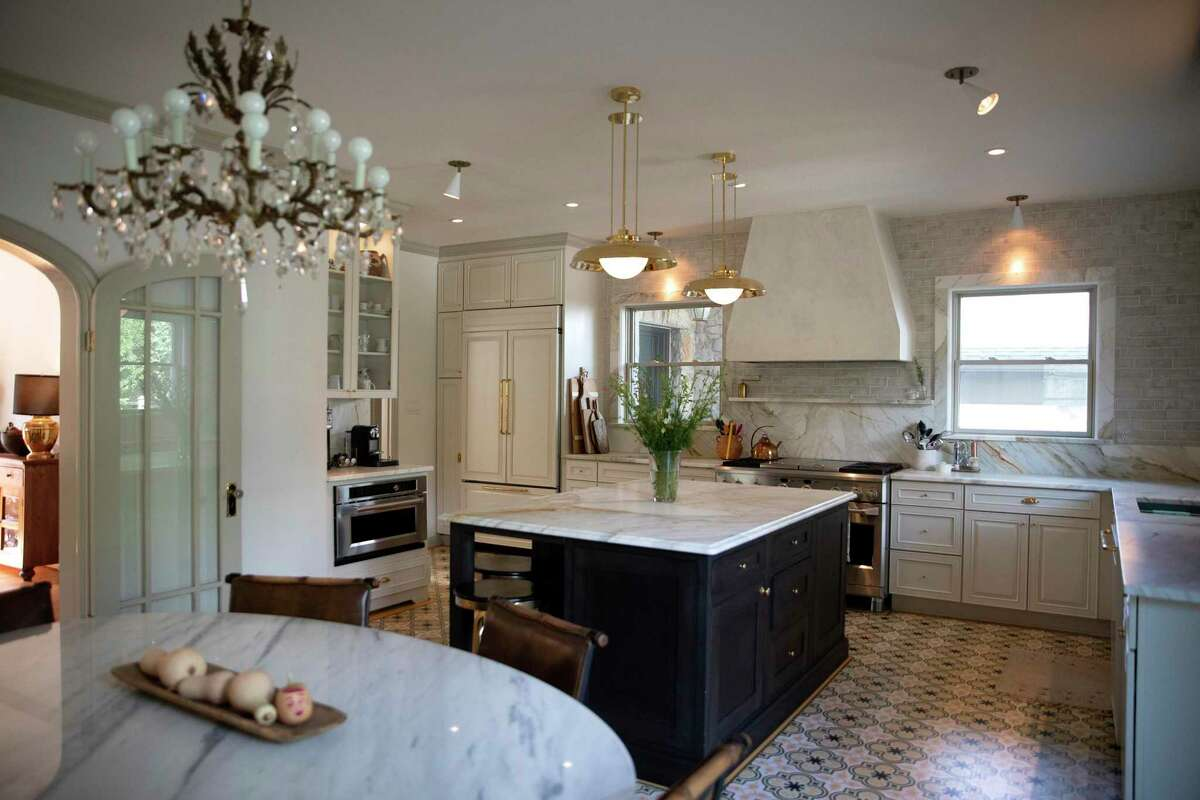 The recently completed two-month, $16,000 renovation of Alison and Benjamin Giese's Olmos Park kitchen transformed it into an airy, open and modern space that nonetheless has several Old World design touches.