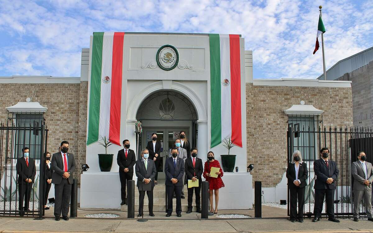 The Consul General of Mexico in Laredo celebrated Mexico's 211th anniversary on Wednesday.