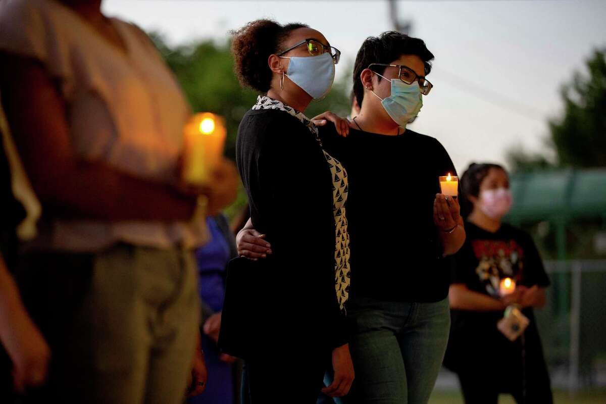 Family and friends of Darrell Zemault Sr. gather with community members Wednesday evening at Alderete Park to commemorate the one-year anniversary of his death. He was killed by San Antonio police on Sept. 15, 2020, as they were attempting to arrest him on two warrants.