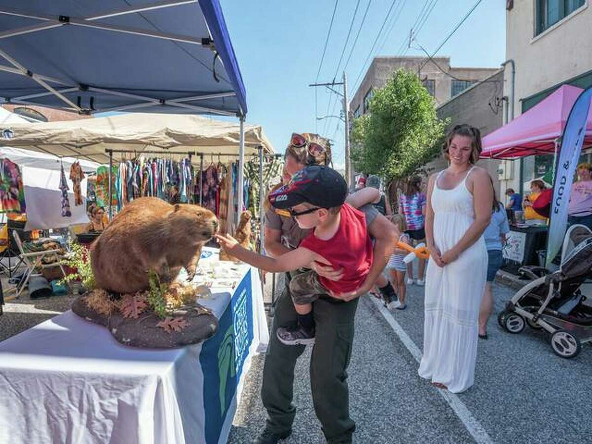 The Mississippi Earthtones Festival will return on Friday, Sept. 18 on Brodaway from noon to 10 p.m.