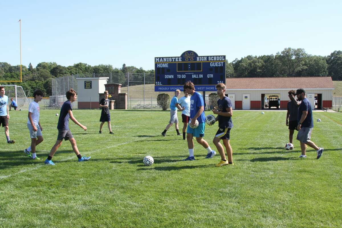 The Manistee Chippewas prepare for numerous drills at practice.