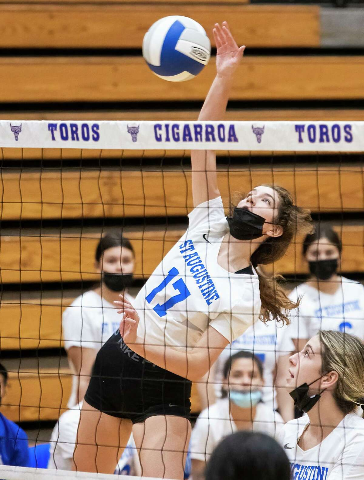 Guilda Moreno and St. Augustine swept Cigarroa 3-0 (25-13, 25-10, 25-14) on the road Wednesday.