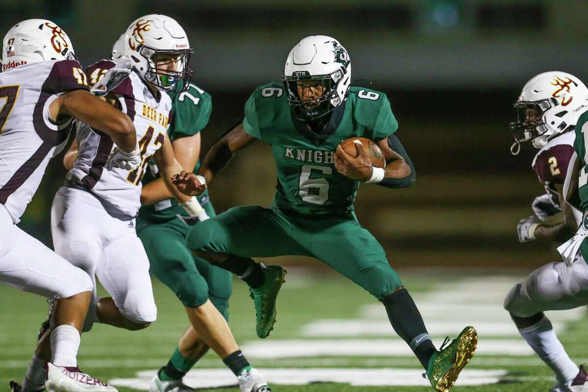 Clear Falls' David Smith (6) rushed for 200 yards last week in a 45-21 Knights' victory over Deer Park.