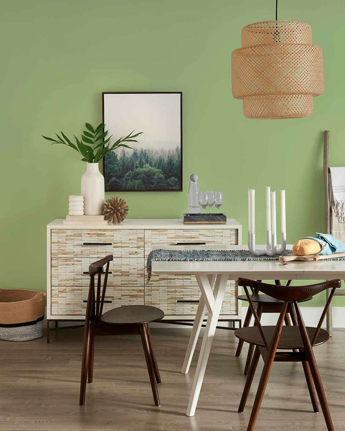 """""""Guacamole"""" is Glidden's2022 Color of the Year."""