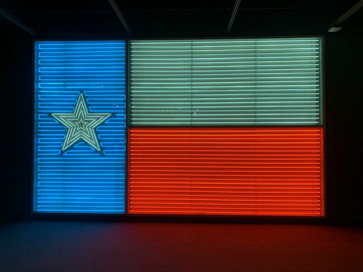 The iconic light-up Texas flag.