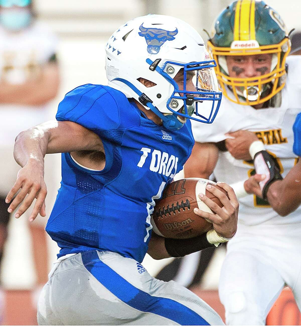 Ya-aqob Lozano ran for four touchdowns as Cigarroa claimed its third-straight victory thanks to a win over Crystal City on Friday.