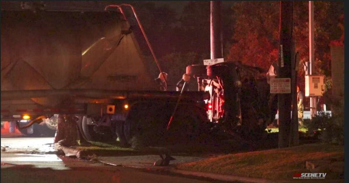 A man died after his pickup truck failed to stop at a stop sign and hit an 18-wheeler's trailer in Channelview early Saturday morning, according to the Harris County Sheriff's Office.
