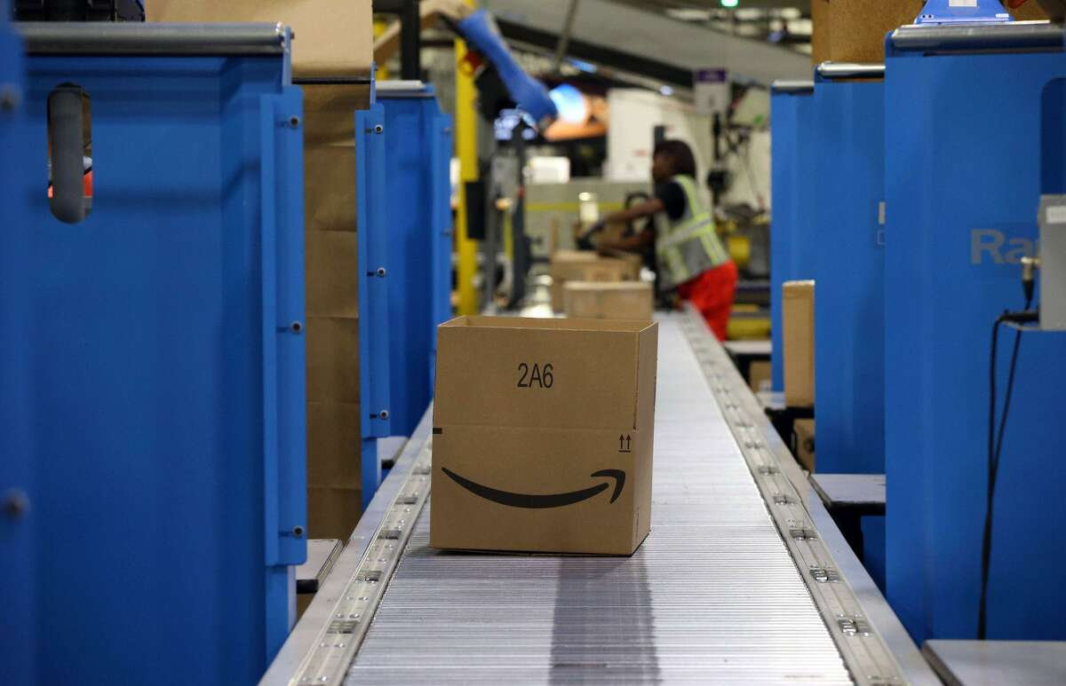 Amazon is offering $500 signing bonuses for seasonal workers in Connecticut heading into the 2021 holiday season, on top of pay of up to $18.25 an hour.
